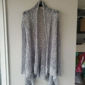 HOLLISTER Knitted long sleeve cardigan.